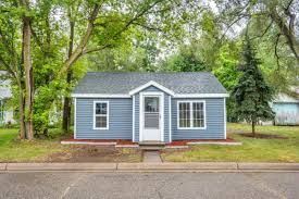 adorable cozy single family home in otsego lists just under 70k