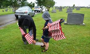 Grave Marker Flags Boy Scouts Honor Veterans At Mountain View Cemetery