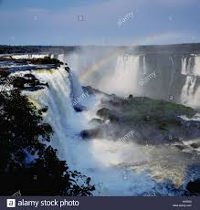 famous waterfalls in the world world famous waterfalls of iguassu on borders of argentina and