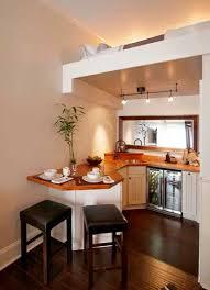 cuisine dans petit espace rangement de cuisine efficace dans un tiny house