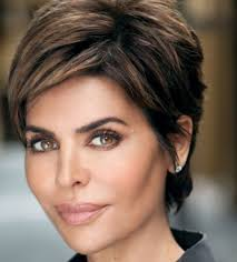 what is the texture of lisa rinnas hair 9 lisa rinna hairstyles for short hair the right hairstyles for you