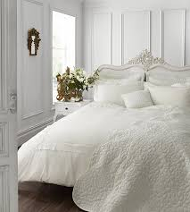 catherine lansfield chantilly king quilt set cream amazon co uk