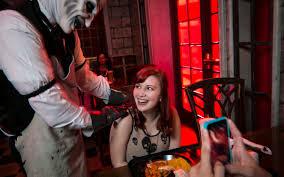 halloween horror nights costumes universal orlando close up halloween horror nights u0027 scareactor