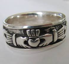 mens claddagh ring handcast sterling silver mens claddagh band ring
