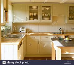 shaker beech kitchen cabinets kitchen cabinet ideas