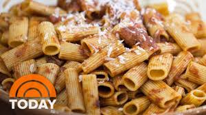 anthony bourdain cooks sunday gravy with sausage and rigatoni