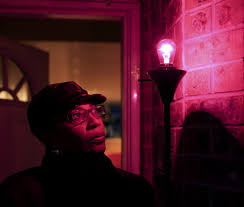 portland woman lights purple bulbs in message to gangs to stop the