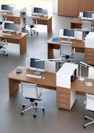 le de bureau sur pied bureaux mélaminé pieds panneaux couleur bois ubia mobilier 94