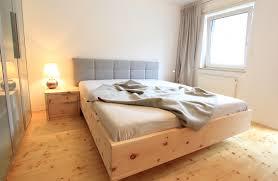 Zirbenbett Das Gesunde Zirbenholzbett Von Lamodula Schlafzimmer Schlafzimmer Zirbe Modern Schlafzimmer Zirbe Modern