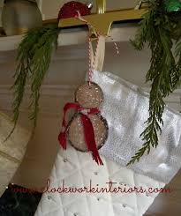how to make wood slice snowmen ornaments hometalk
