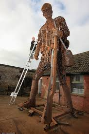 20ft metal soldier in dorset is a haunting reminder of the first