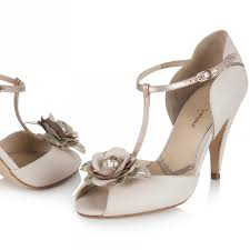 wedding shoes t bar stepping into wedding season with the prettiest alternative