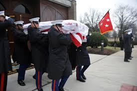 Flag Folding Ceremony 8th And I Marines Honor Former Acmc U003e Marine Barracks U003e News