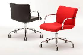 chaise à roulettes de bureau chaise de bureau contemporaine à roulettes avec accoudoirs en