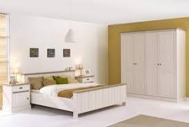 chambre contemporaine design chambre adulte complète contemporaine au style épuré