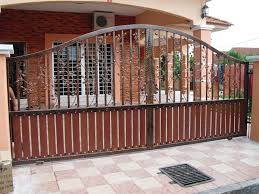 Iron Home Decor Gate Exterior Design Front Yard Modern Villa With White And Brown