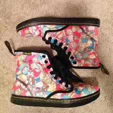 28 dr martens boots limited edition kitty doc