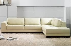 nettoyage canapé cuir blanc comment nettoyer un canapé en cuir conseils et photos