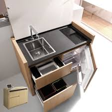 petit evier cuisine cuisine compacte kitchoo composée d un évier d un robinet