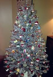 aluminum christmas tree my grandmother s aluminum christmas tree vintage christmas
