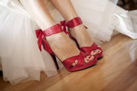 wedding shoes tips 3 tips on how to find the right wedding shoes misdress