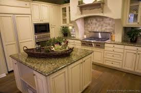 Painting Kitchen Cabinets Antique White Kitchen Stunning Antique White Painted Kitchen Cabinets