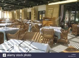restaurant seating outside stock photos u0026 restaurant seating