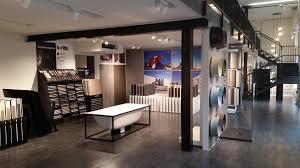 esposizione piastrelle sala mostra magazzino della piastrella e bagno