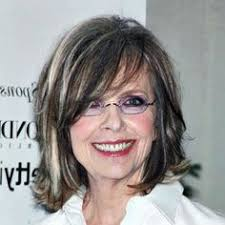 hair styles for layered thick hair over 40 kate capshaw short blonde messy haircut with bagns for women over 60