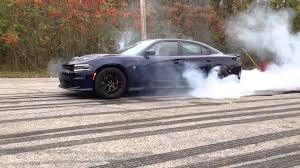 charger hellcat burnout 2015 dodge charger srt hellcat burnout youtube