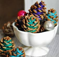 table decorations with pine cones christmas what can be done for christmas