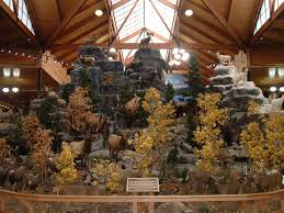 thanksgiving point museum of curiosity why you should move to traverse mountain fieldstone homes utah