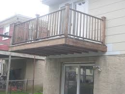 cantilevered deck the cantilevered balcony