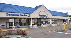 goodwill operating hours store locations near me and phone numbers