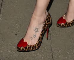 daisy ridley has star tattoos on her left foot who2