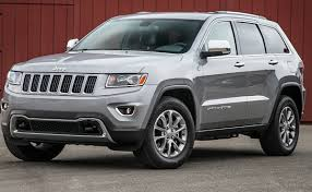 grey jeep grand cherokee 2016 man charged after drugs weapons kids found in car at tweed heads