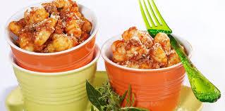cuisiner les gnocchis gnocchis à la bolognaise facile et pas cher recette sur cuisine