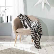 plaid noir canapé decoration com large sélection de plaids jetées de canapé
