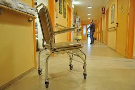chambre particuliere hôpitaux chambre particulière ou commune les suppléments d