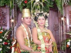 wedding dress jogja traditional clothing wedding dress from jogjakarta indonesia