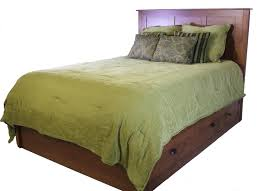 Amish Made Bedroom Furniture by Daniel U0027s Amish Elegance Amish Solid Wood Storage Bed Old Brick