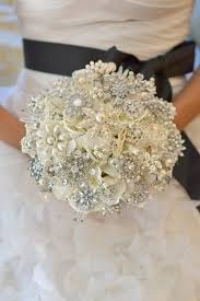 brides want something different try this jewelry bouquet from