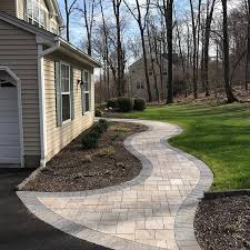 Walkway Ideas For Backyard by 25 Best Ideas About Paver Walkway On Pinterest Backyard Paver
