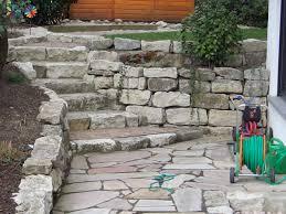treppe naturstein maingärtner treppen im garten