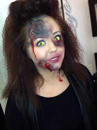 How To Apply Halloween Makeup by Musely