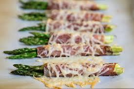 cheesy prosciutto wrapped asparagus bundles thanksgiving