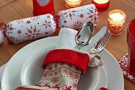 Christmas Cracker Table Decoration christmas decorating hints and tips