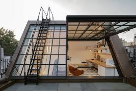 bank fã r schlafzimmer a three year renovation and a glass rooftop studio this