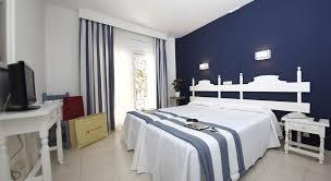 chambre 2 lits hotel els pins chambre standard avec balcon 1 2 lits