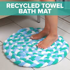 How To Make A Rug Out Of Plastic Bags Turn Old Towels Into A Soft Sophisticated Bath Mat Bath Mats
